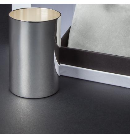 Coffret timbale en métal argenté