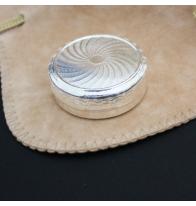 Boîte à pilules métal argenté toupie